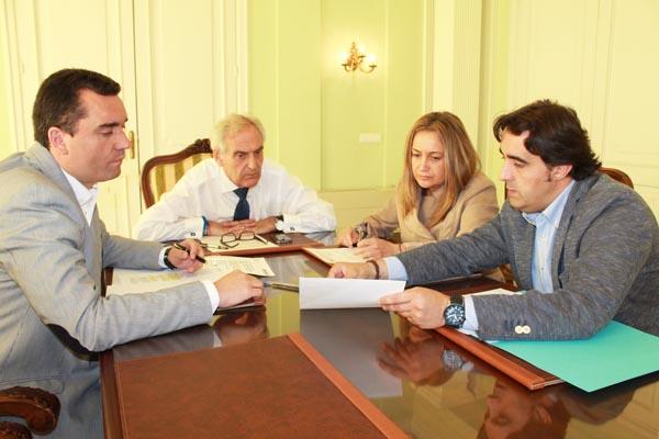 Un dos momentos do encontro celebrado na Subdelegación do Goberno en Ourense.