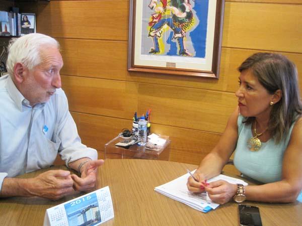 Photo of O alcalde de Vilariño de Conso reúnese coa conselleira de Benestar
