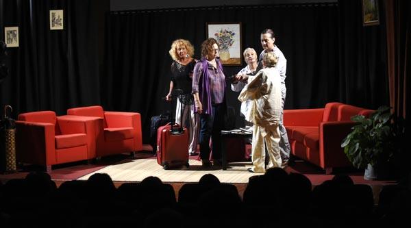 """Unha escea de """"Xulia e os Pérez""""./ Foto: Carlos G. Hervella."""