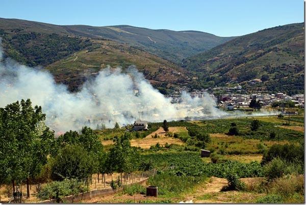 Photo of Extinguidos os dous incendios entre O Barco e Rubiá