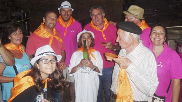 Photo of Entre cuncas de viño e música na Festa das Covas