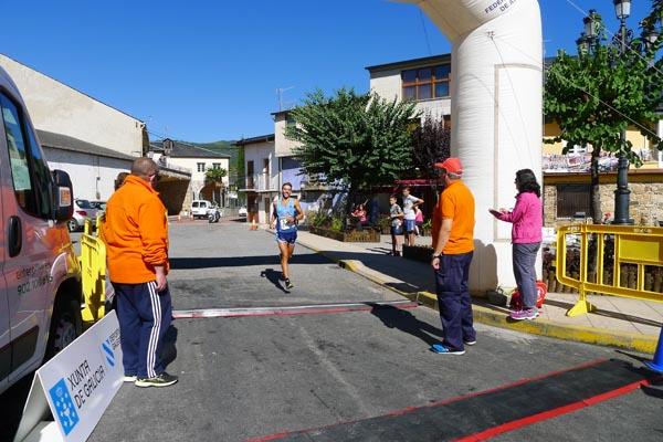 Photo of José Manuel Vieito e Soledad Castro, ganadores do galego de medio maratón en Petín