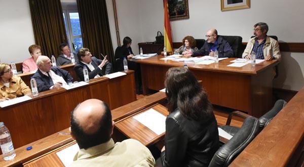 Momento de debate dun dos puntos entre o portavoz do PP e o alcalde vianés./ Foto: Carlos G. Hervella.