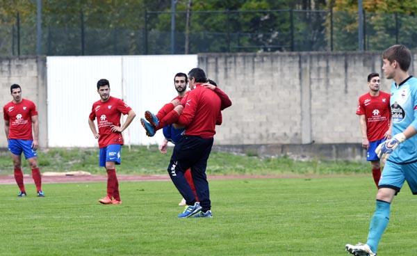Photo of Gran partido en Calabagueiros que remata con dous xogadores do Barco lesionados