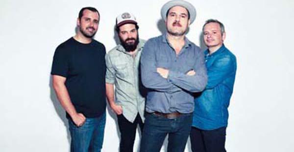 Photo of Eladio y los Seres Queridos, o venres 23 de outubro no Barco