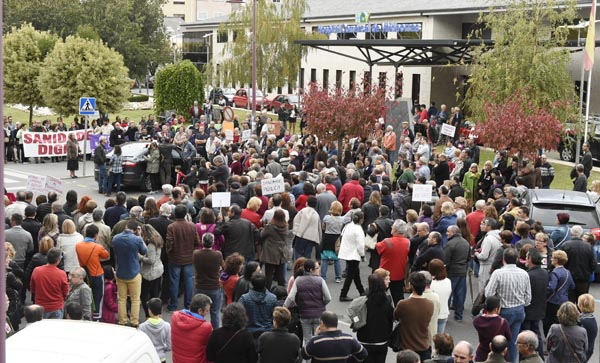 Photo of Valdeorras toma a rúa en defensa da sanidade pública