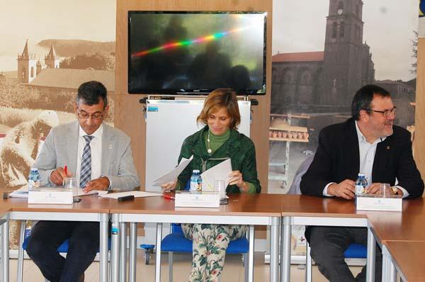 Sinatura do convenio de colaboración entre o Consorcio de Turismo da Ribeira Sacra e Turismo de Galicia.
