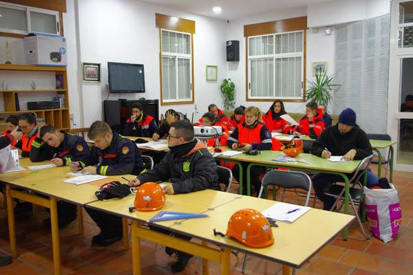 Photo of Curso de búsqueda de persoas desaparecidas en Manzaneda