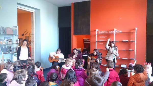 Photo of Arte con chocolate e música para os nenos triveses