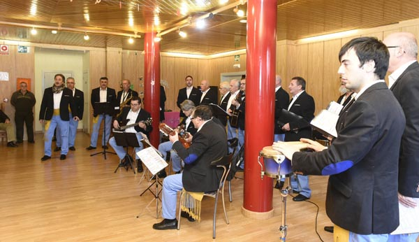Photo of Son do Sil leva as súas cancións á residencia da terceira idade do Barco