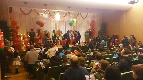 Photo of Os Reis Magos reuníanse cos nenos triveses no Auditorio Julio Vázquez