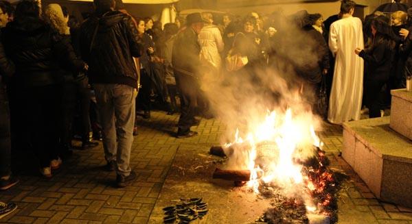 Photo of A Rúa despide o Entroido coa queima da sardiña