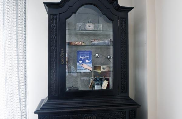 Detalle dun armario na recepción./ Foto: Carlos G. Hervella.