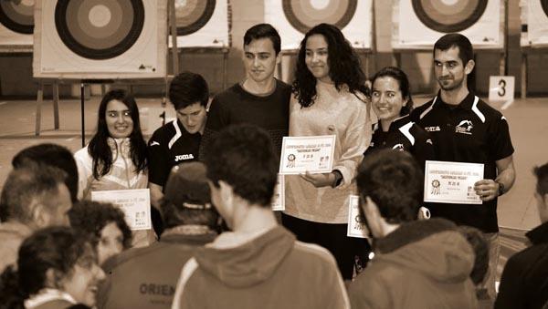 Irene Morales e Marcos Álvarez entre os premiados.
