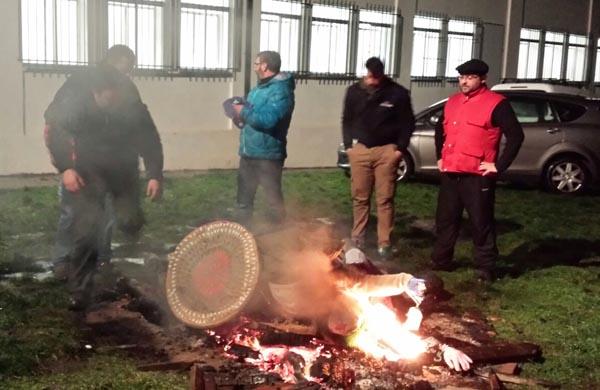 Photo of Os folións triveses din adeus ao Entroido