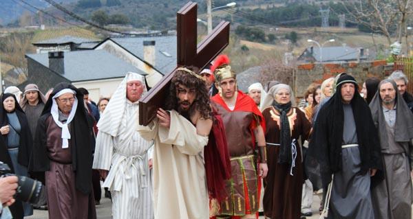 Photo of A paixón de Cristo escenificada en Rubiá