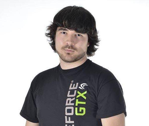 """O campión de España de videoxogos e modding, Manuel """"Hastor"""" Otero."""