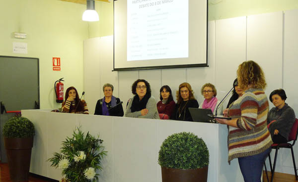 Unha das imaxes do Foro-debate celebrado no Barco con motivo do día da Muller./ Foto: Ángeles Rodríguez.