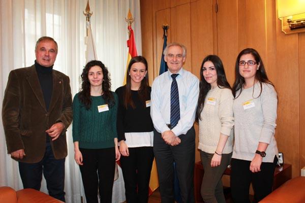 Photo of Catro universitarias completan a súa formación con prácticas na Subdelegación do Goberno en Ourense