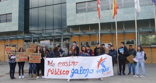 Photo of Concentración estudantil, no Barco