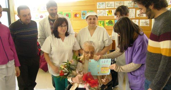 Photo of Homenaxe a unha centenaria do Concello de Manzaneda