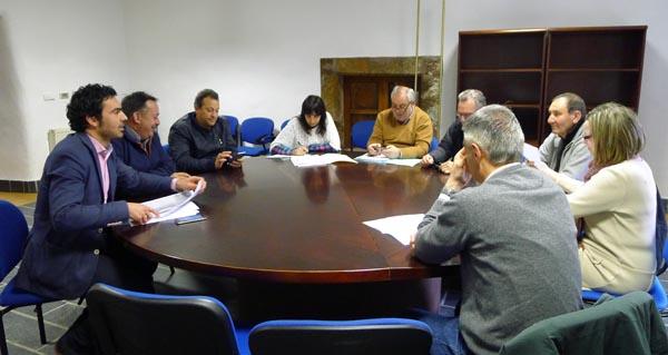 Un dos momentos da reunión do GDR-7 na Casa Grande de Viloira./ Foto: Ángeles Rodríguez.