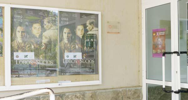 """Photo of O Cine Club Groucho Marx proxecta """"Lobos sucios"""" no Barco"""