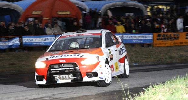 Photo of Miles de seareiros arroupan o comezo do 49 Rallye de Ourense en San Cibrao