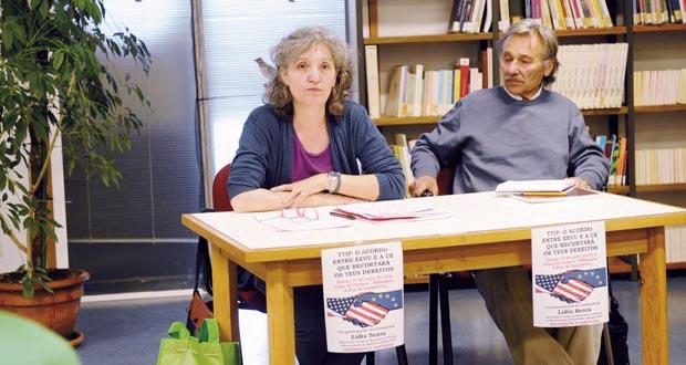 Lidia Senra e Sindo na Biblioteca da Rúa.