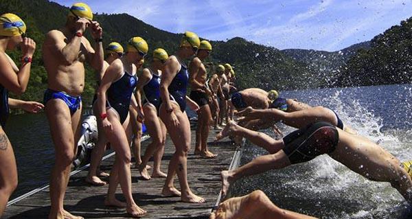 Photo of Máis de 50 nadadores na II Travesía a Nado Encoro Os Peares