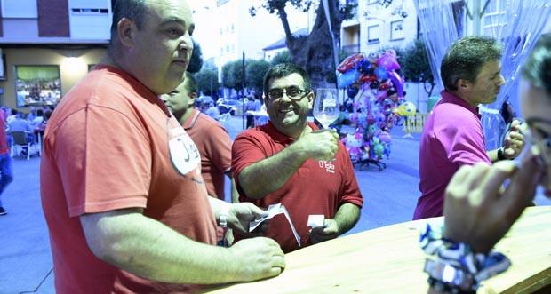 Photo of Entre premios e brindes no broche da XIX Feira do Viño de Valdeorras
