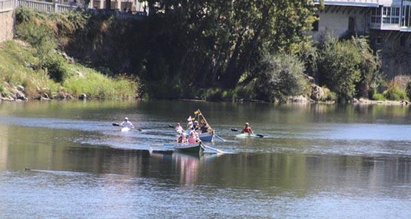 Photo of Paseo en barca, procesión e xantar no Salgueiral