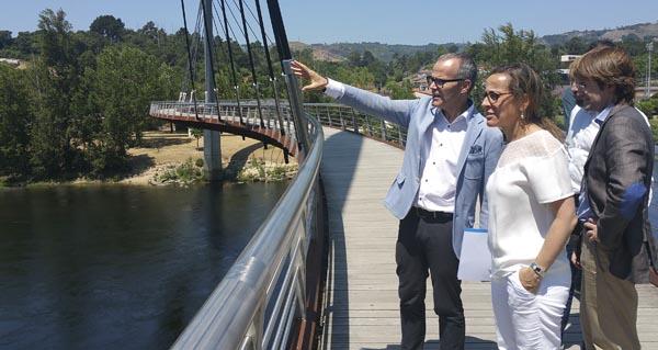 Photo of 60.000 euros para a iluminación da pasarela peonil de Oira