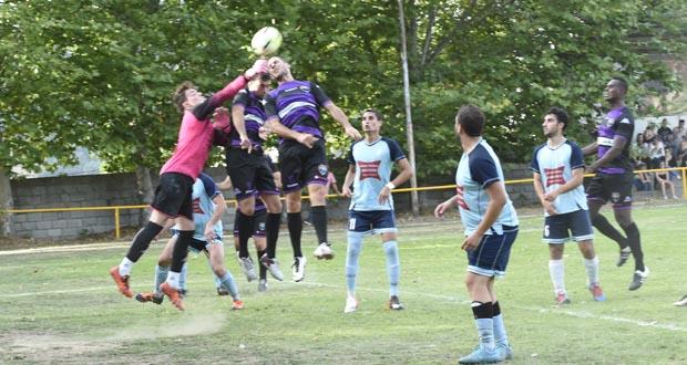 Photo of 0-3 no primeiro partido da tempada en Viana