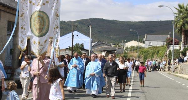 Photo of Larouco honra á Virxe dos Remedios