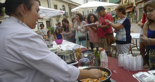 Photo of Cociñando con Rocío Garrido na praza Maior do Barco