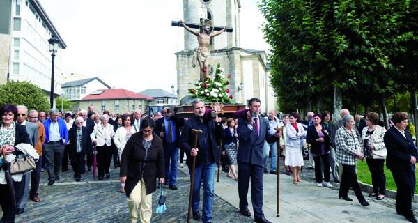Procesión do Cristo o 14 de setembro polas rúas da Pobra de Trives. /Foto: Carlos G. Hervella.