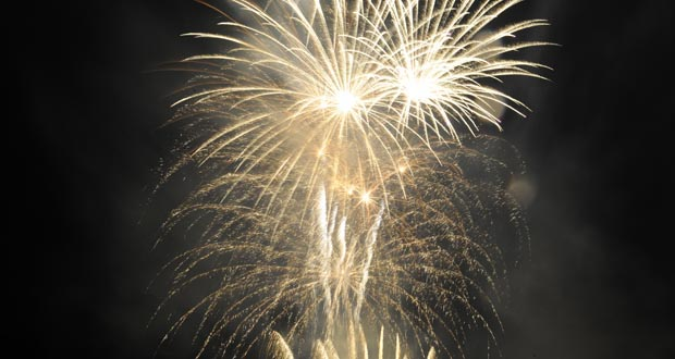 Photo of Unha fervenza de fogos artificiais despide as Festas do Cristo 2016