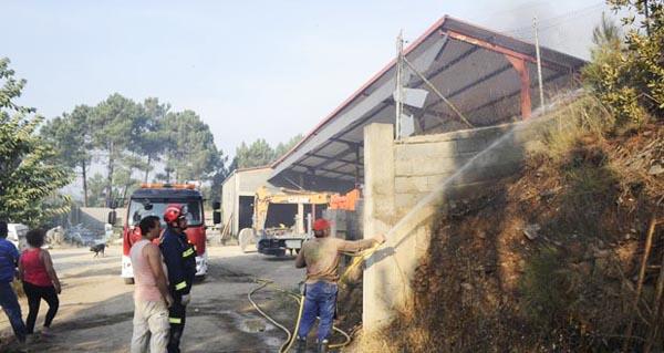 Photo of As casas do Serro (O Barco) ameazadas de novo polo lume