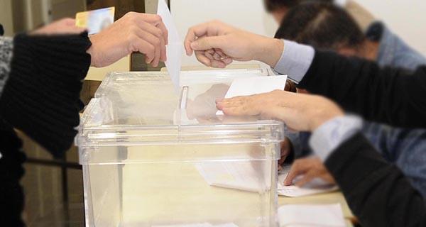 Un total de 364.380 ourensáns están chamados ás urnas