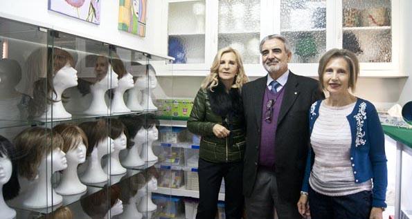 Photo of A AECC de Ourense estrea un banco de perrucas e pide doazóns para incrementalo