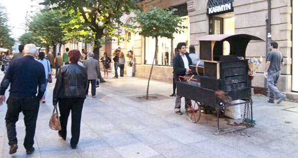 Photo of Os veciños de Ourense enchen as rúas para gozar do outono e do Samaín