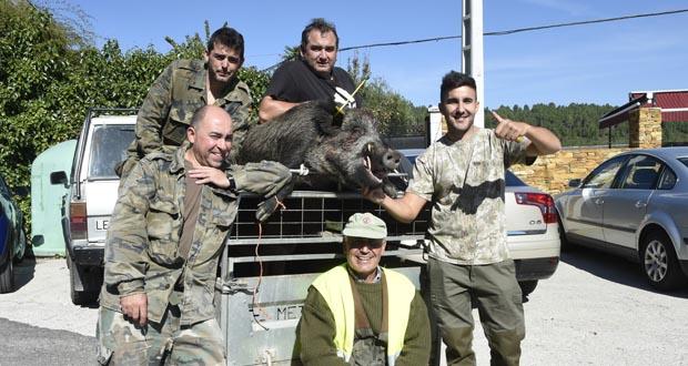 Photo of Un xabarín duns 130 quilos cazado en Freixido