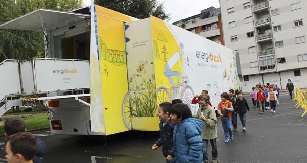 """Photo of O """"Energytruck"""" de Gas Natural Fenosa fai parada no Barco de Valdeorras"""