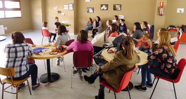 Obradoiro organizado anteriormente por De Nai a Nai./ Foto: Ángeles Rodríguez.