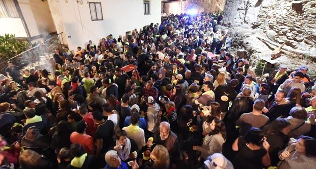 Photo of Viño e deliciosos pinchos nunha multitudinaria Festa da Vendima de Punxeiro