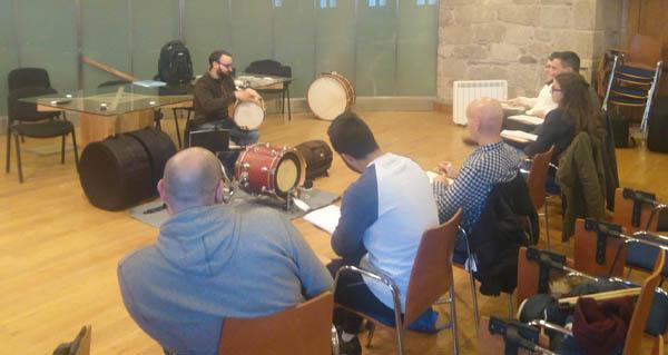 Photo of Mergullándose na percusión tradicional galega en Castro Caldelas