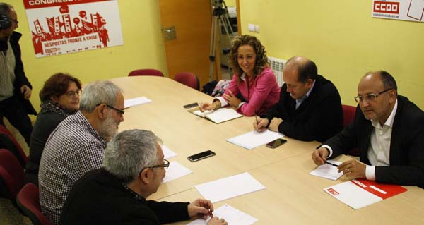 Visita de membros do grupo parlamentario socialista a CCOO.
