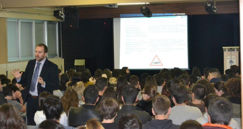 Photo of Tráfico forma en seguridade vial ao alumnado do I.E.S Lagoa de Antela en Xinzo