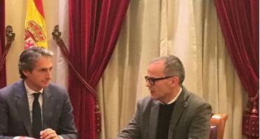 O ministro de Fomento, Íñigo de la Serna e o alcalde de Ourense, Jesús Vázquez.